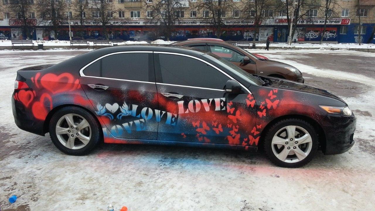 Рисунки красками на авто